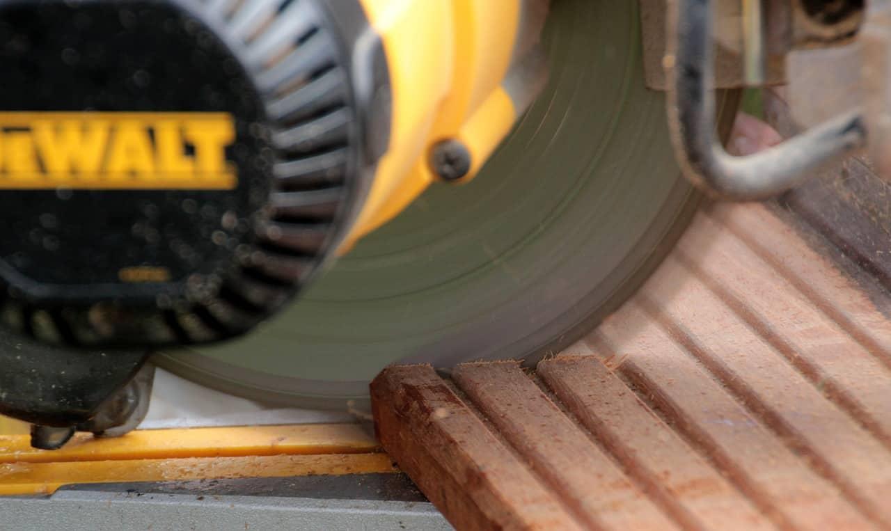 crosscut saw, craftsmen, plug the saw